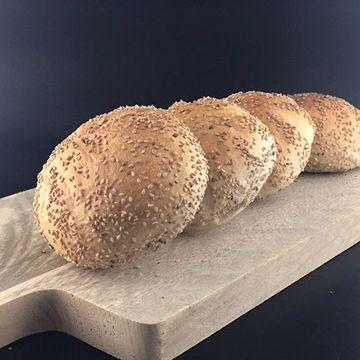 Afbeeldingen van Sesamzaad broodje
